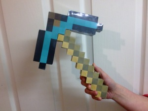 minecraft-life-sized-pickaxe